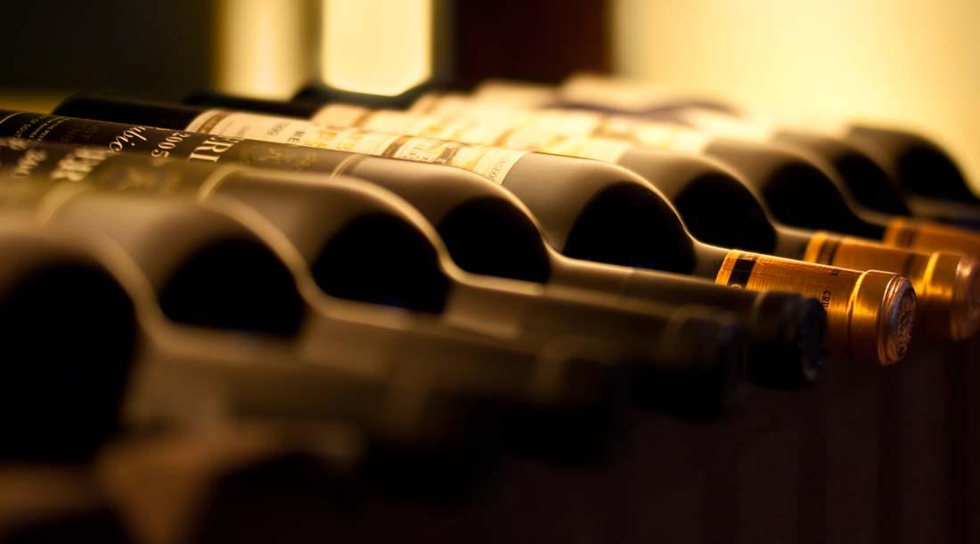 Garrafas de vinho á temperatura ideal