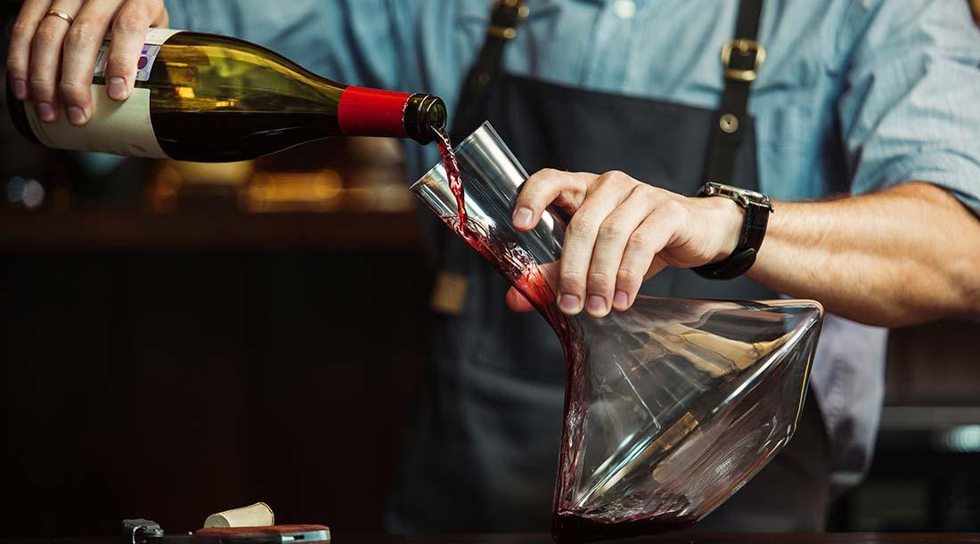 Decantador de Vinho Tinto